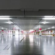 Branislav Kropilak - Fotografo slovacco d'architettura, garages, depositi e cartelloni pubblicitari
