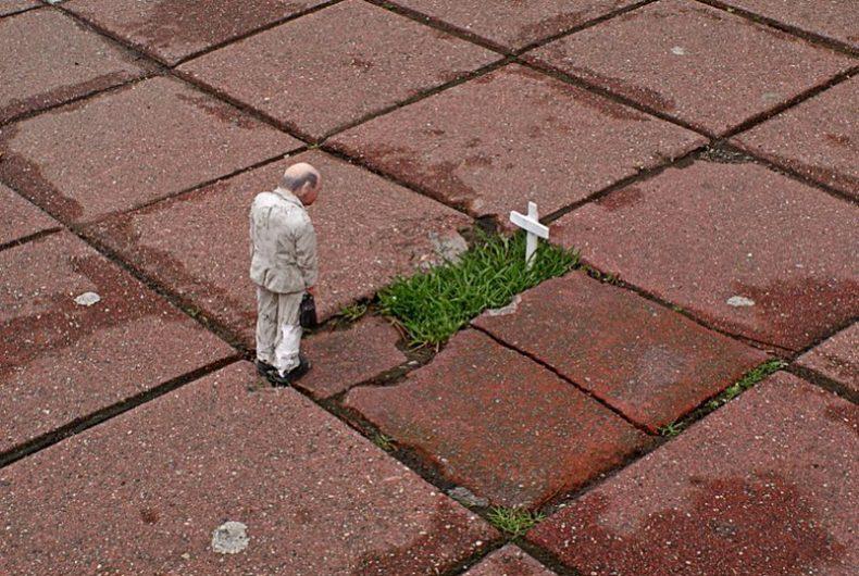 Cement Eclipses, il progetto artistico di Isaac Cordal