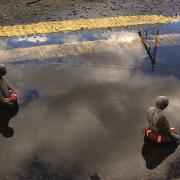 Isaac Cordal - Cement Eclipses progetto scultoreo-fotografico sulla metamorfosi dello spazio urbano