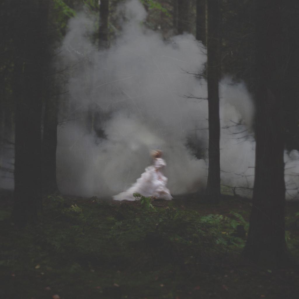 Gli scatti surreali di Louis Lander Deacon