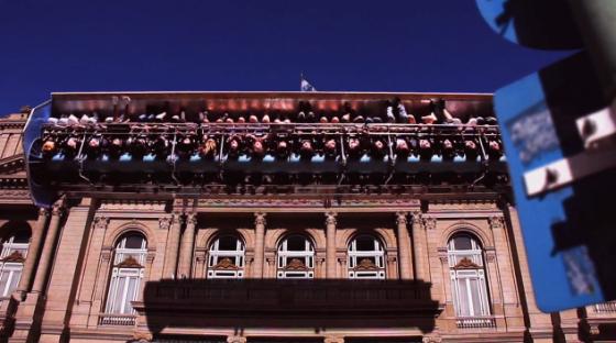 Inception Park - Video del regista argentino Fernando Livschitz.