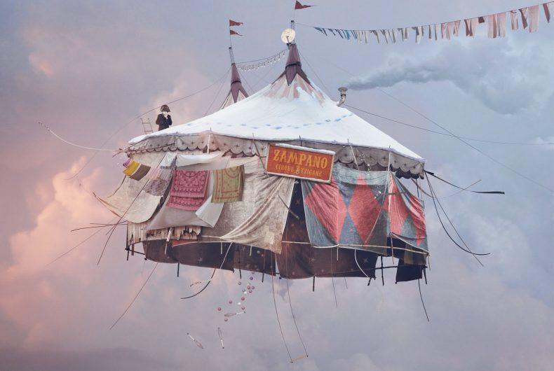Flying Houses, le case volanti di Laurent Chéhère