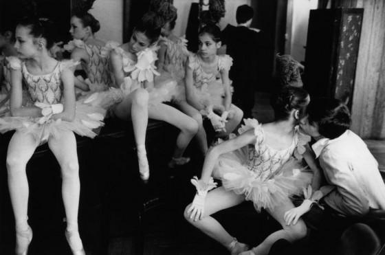 Martine Franck , moglie di Cartier-Bresson - France 1979 paris Opera garnier The Petits Rats