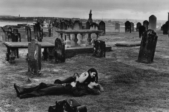 Martine Franck , moglie di Cartier-Bresson - Tyne and Wear County Village of Tynemouth Priory