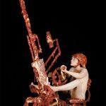 Dimitri Tsykalov – Scatti di uomini che imbracciano armi rivestite di carne