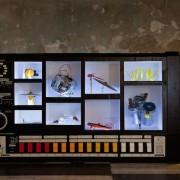 Moritz Simon Geist - Robot MR-808 - Automazioni di oggetti reali attraverso robot