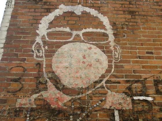 Bubblegum Alley - Vicolo con i muri ricoperti di chewing gum.