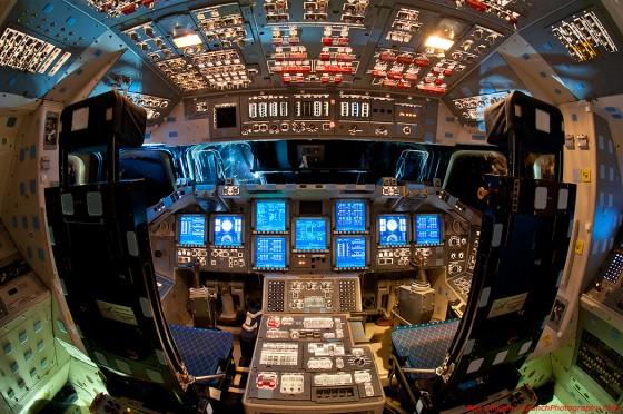 Flight deck foto della cabina di guida dello shuttle for Affitti della cabina di whistler