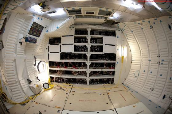 Flight Deck - Foto della cabina di guida dello shuttle