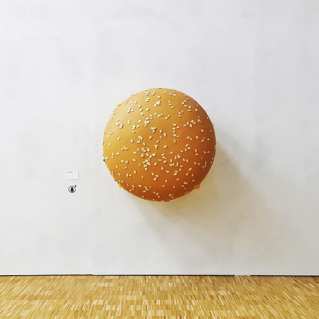 Push the bun!  emptymuseo w latriennale Ph inanutshell
