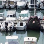 Love love - Barca realizzata come una nave che affonda-evd