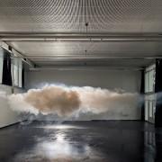 Berndnaut Smilde - Nimbus - Installazione atmosferica di una nuvola ricreata in uno spazio espositivo