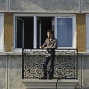 Balcon additionel - Finto balcone appoggiato su palazzi