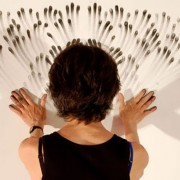 Judith Ann Braun - Fingerings - Artista che dipinge utilizzando le dita sporche di grafite