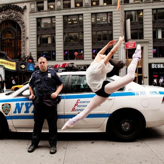 Lisa Tomasetti - Ballerini dell'Australian Ballet ritratti in contesti urbani
