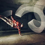 Joanna Jaskolska - Breakdance Light Painting