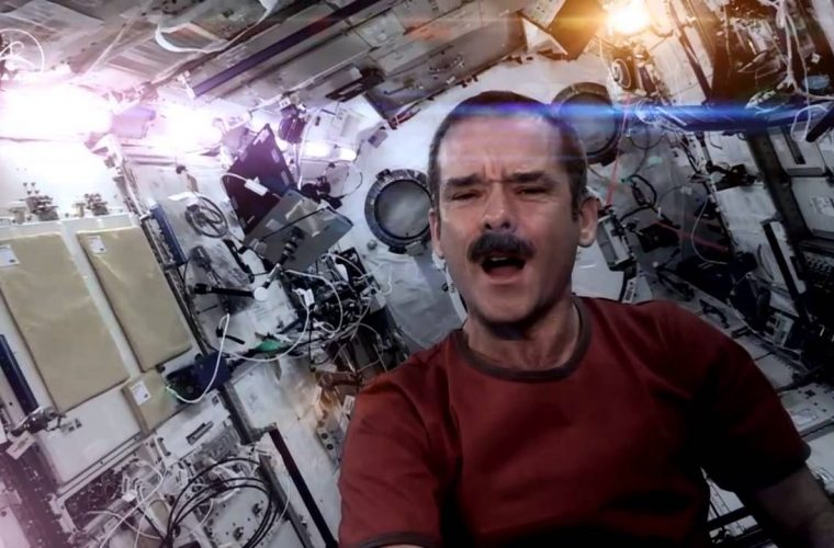 Commander Chris Hadfield – Space Oddity