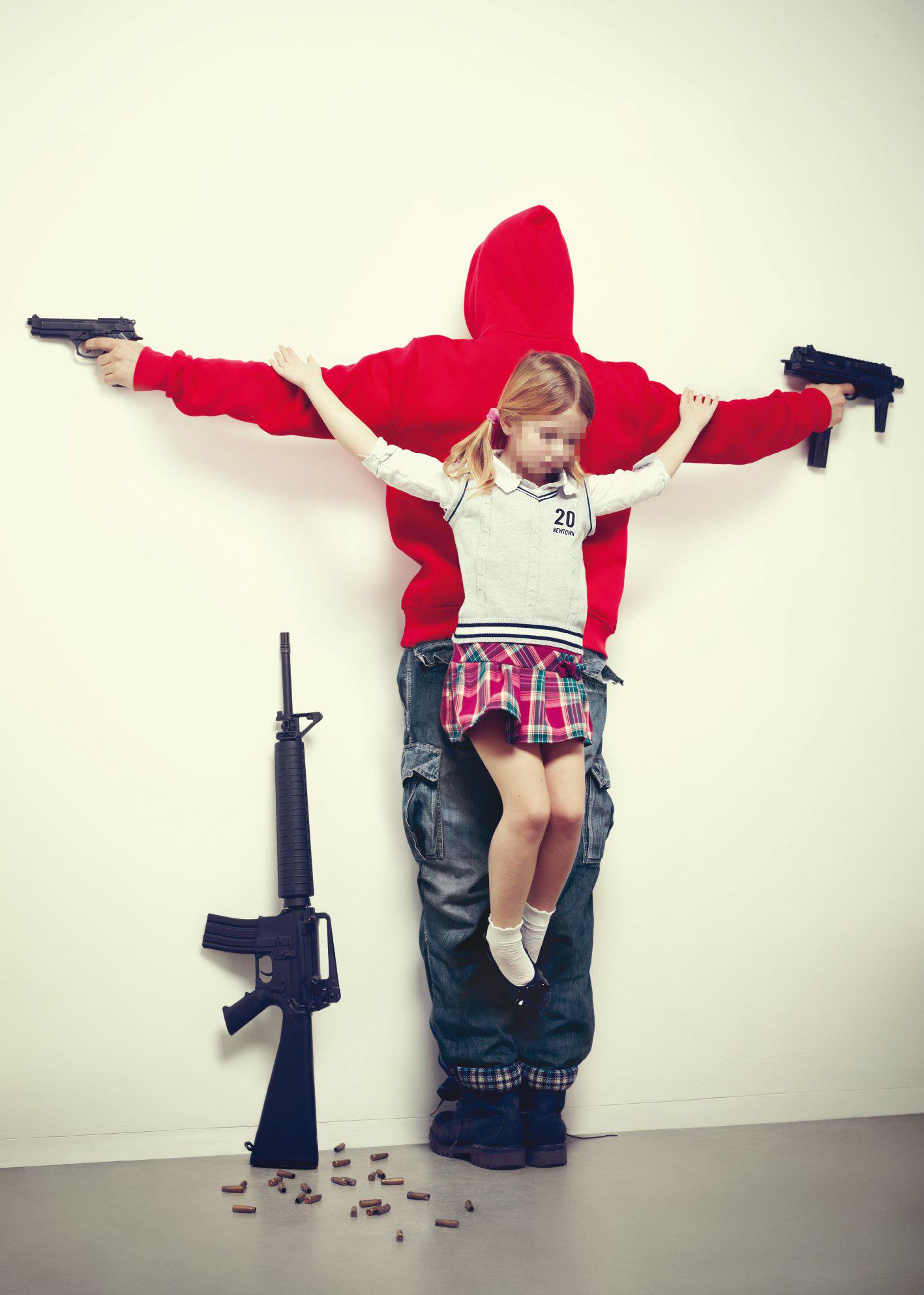 Erik Ravelo - Los Intocables - I bambini crocifissi per denunciare la pedofilia e la civiltà consumistica | Collater.al