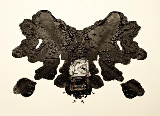 Esther Lobo - Rorschach - Serie fotografica su macchie di cibo inspirate al test psicologico