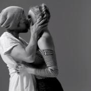 First Kiss - Il primo bacio tra sconosciuti