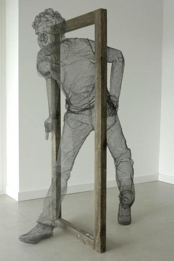 light, camera, action! - Edoardo Tresoldi - Met Wire Sculptures | Collater.al