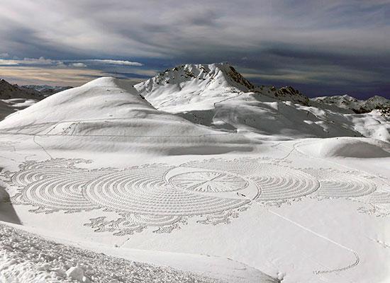 Simon Beck - Snow Art