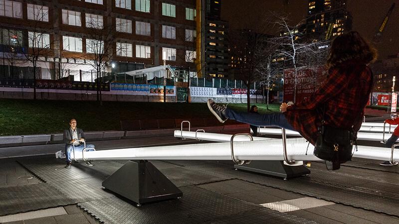 Le altalene interattive che illuminano Montreal   Collater.al