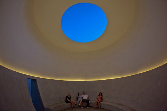 Knight_Rise_by_James_Turrell_photo_by_SeanDeckert-2_slideshow_2