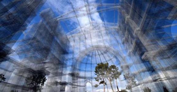 La Basilica ricostruita con la rete metallica