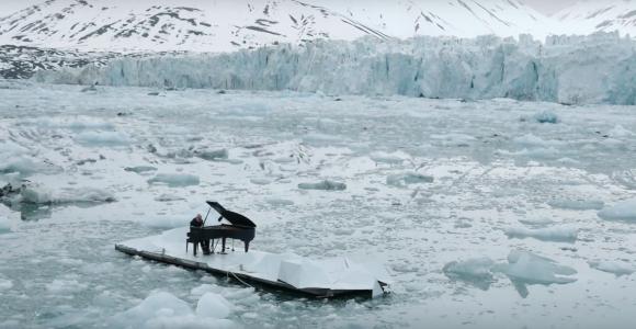 Il Pianista sull'Oceano - Ludovico Einaudi x Greenpeace | Collater.al