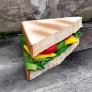 Eat me – L'incredibile cibo spazzatura di Lor-K | Collater.al