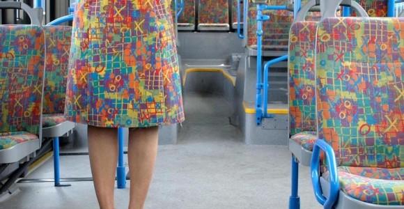 Bustour - I viaggi invisibili di Menja Stevenson | Collater.al evd