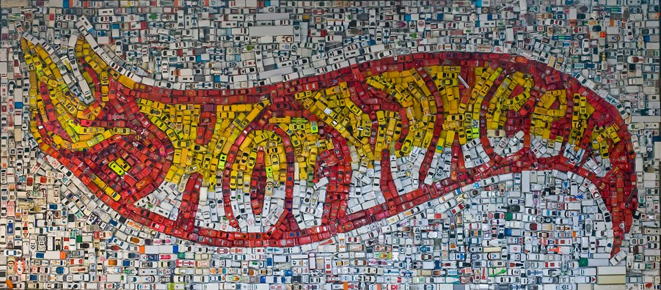 Il fiammante mosaico Hot Wheels di Kevin Champeny | Collater.al
