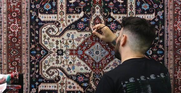 I tappeti persiani dipinti a mano da Jason Seife | Collater.al