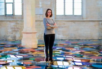 Our Color Reflection - La colorata installazione di Liz West @ St. John Church | Collater.al
