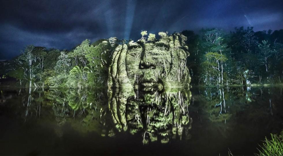 The Blood Forest - I ritratti degli indigeni proiettati nella Foresta Amazzonica | Collater.al
