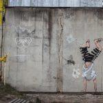 Rage Against the Machine – La nuova scultura murale di Ernest Zacharevic | Collater.al