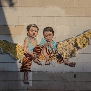 Rage Against the Machine - La nuova scultura murale di Ernest Zacharevic | Collater.al
