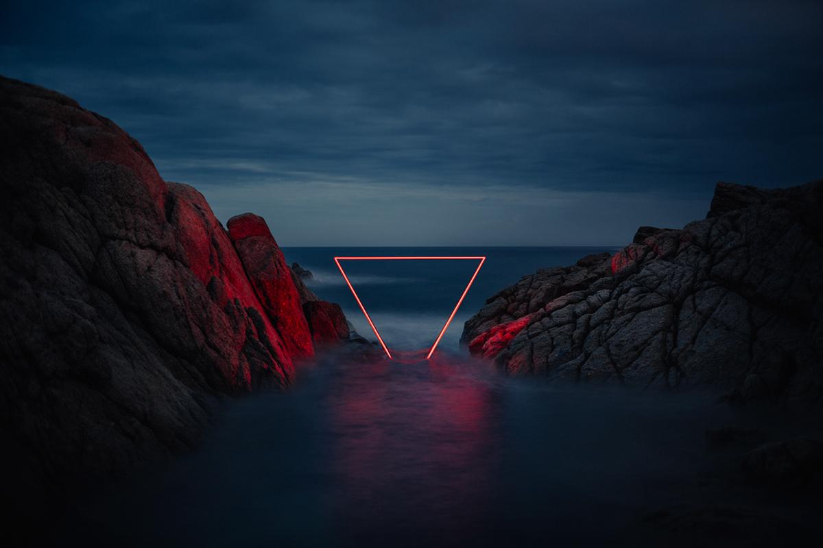 La Linea Roja - Le installazioni luminose di Nicolas Rivals | Collater.al
