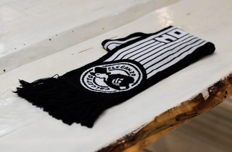 Finalmente ti puoi comprare la sciarpetta del Calcetto Eleganza