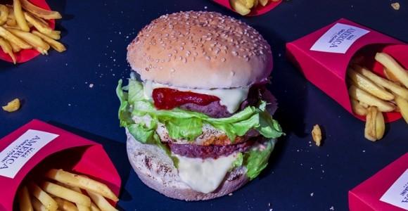 Power & Food - Le abitudini alimentari dei potenti negli scatti di Dan Bannino | Collater.al evd