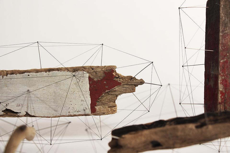 Crust of Polygon - I poligoni di spago che avvolgono oggetti naturali di Norihiko Terayama | Collater.al