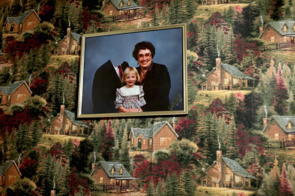 Dads - L'assenza paterna nelle foto manipolate di Camille Léveque | Collater.al