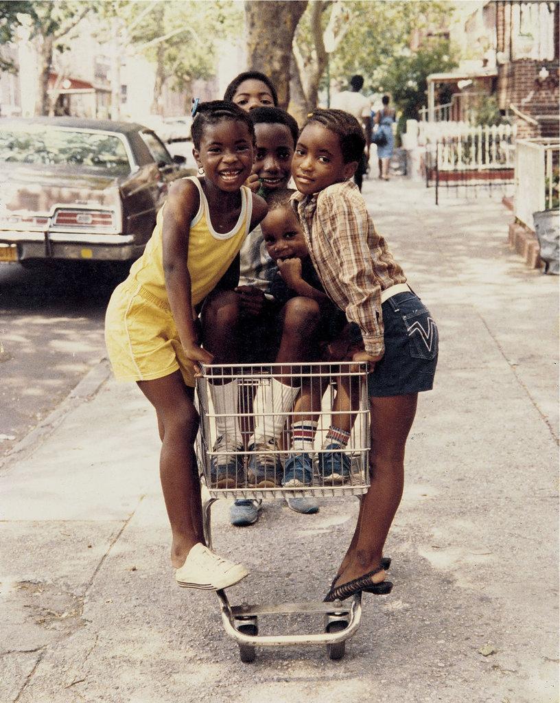 Sights in the City: New York Street Photographs - La nascita della street culture nelle foto di Jamel Shabbazz | Collater.al