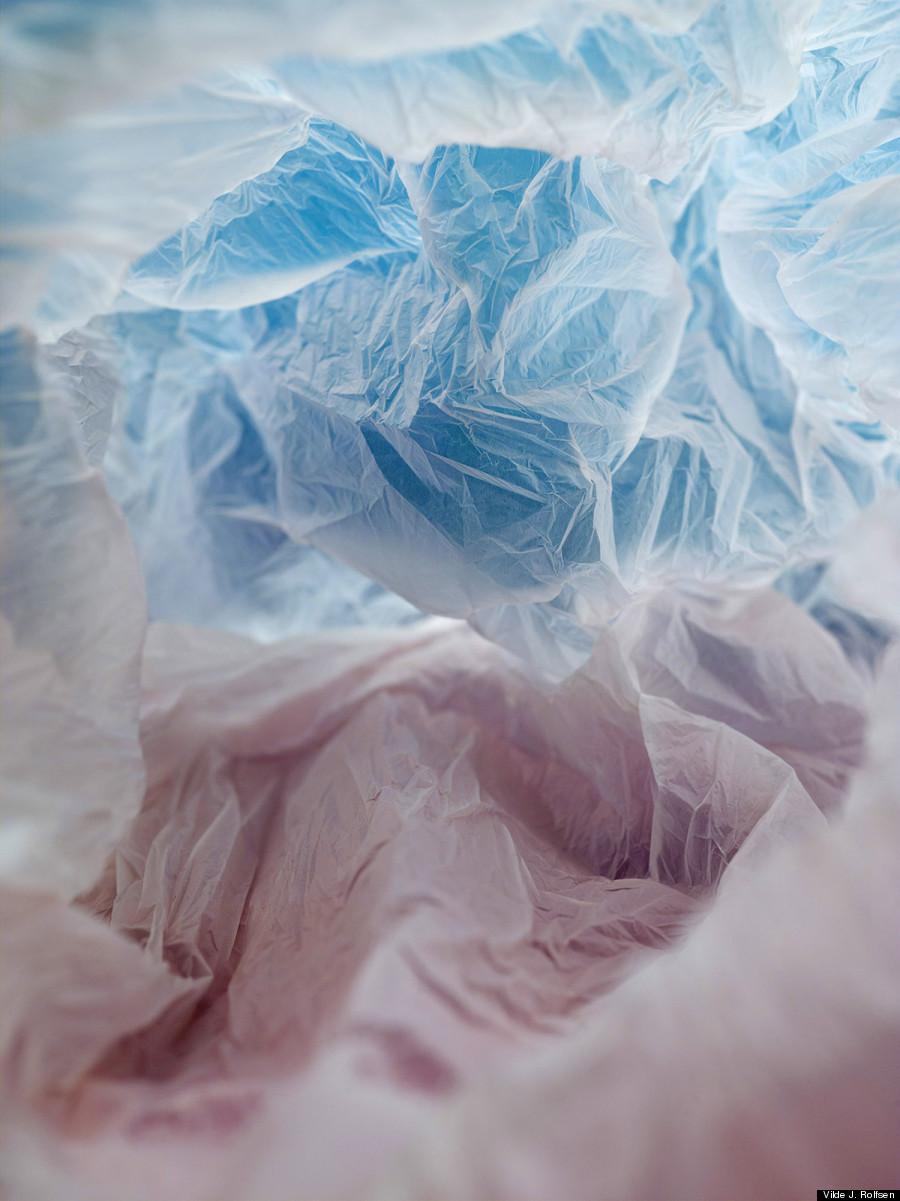 Plastic Bag Landscapes - Le buste di plastica di Vilde Rolfsen | Collater.al