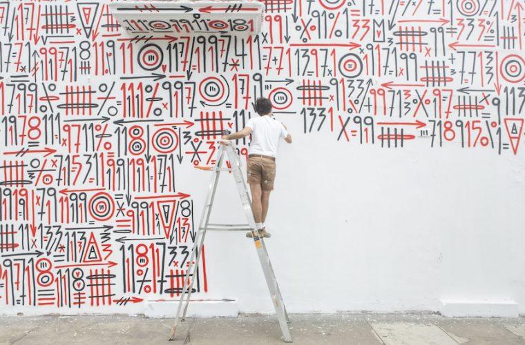ANTES, DESPUÉS, AHORA, due graffiti per celebrare la mostra di Sixe Paredes