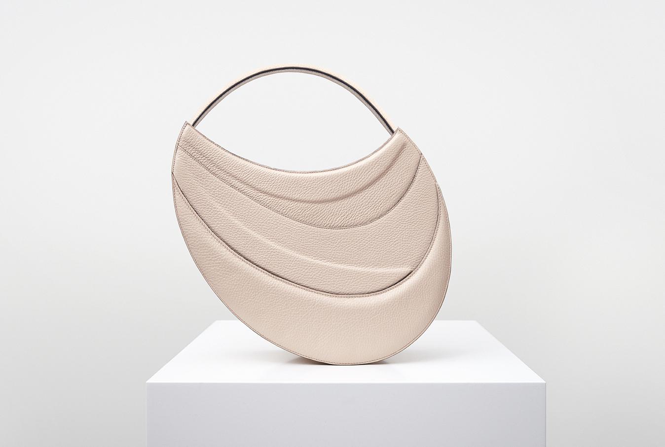 Bag Bag, borse a spalla sotto gli occhi | Collater.al