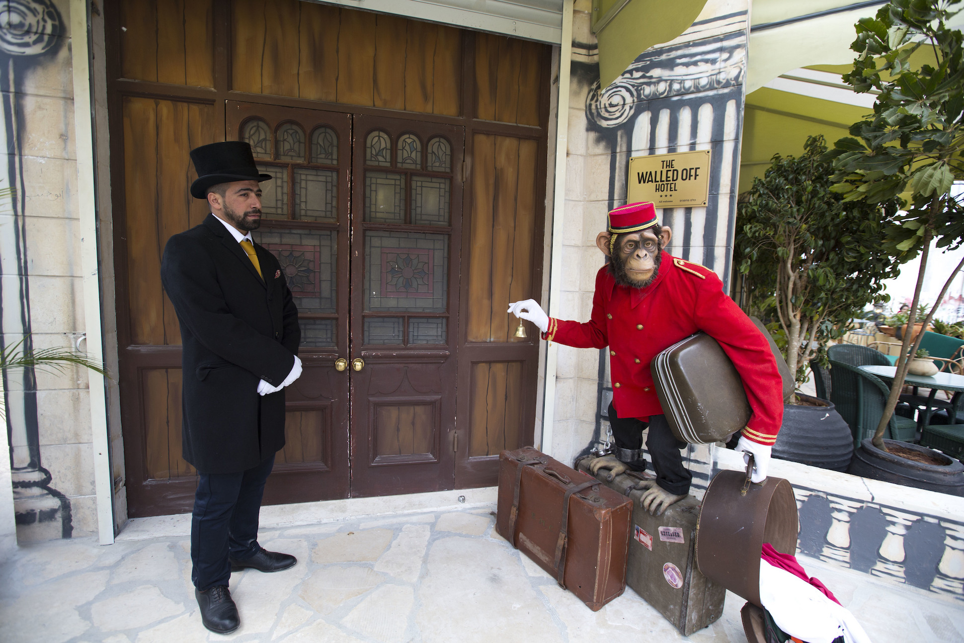 Banksy apre 'The Walled Off Hotel' a Betlemme | Collater.al