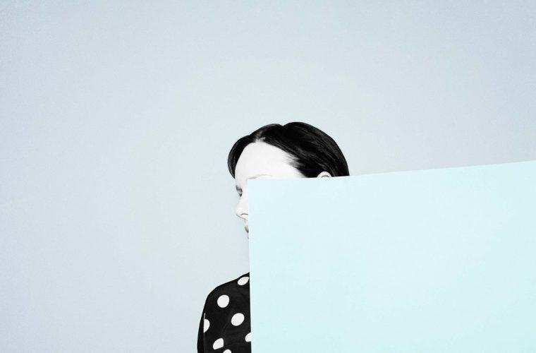 Il delicato minimalismo surreale di Ina Jang