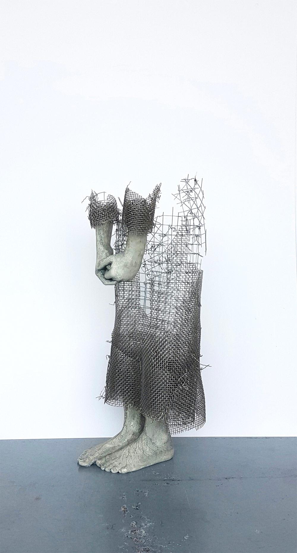 Le opere a metà fra scultura e disegno di Lene Kilde | Collater.al